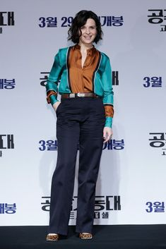 Juliette Binoche at the Ghost In The Shell Korean Red Carpet Fan Event - Ghost Shell Korean - 2 Juliette Binoche, Ghost In The Shell, Paramount Pictures, Hair Looks, Seoul, Style Icons, Color Blocking, Red Carpet, Korean