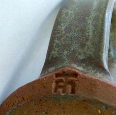 Tam Irving, W. Vancouver, Canada Studio pottery Mark Canadian educator, potter