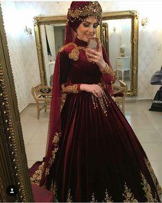 Kınalık wedding dresses for girls Kınalık - Style Evening Dresses Hijabi Gowns, Muslim Wedding Dresses, Bridal Dresses, Turkish Wedding Dress, Dulhan Dress, Hijab Bride, Bridal Hijab, Most Beautiful Dresses, Traditional Fashion