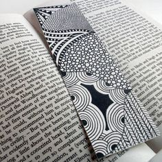 Original Zentangle Inspired Art Bookmark Valentine's by JoArtyJo on Wanelo Mandala Doodle, Mandala Drawing, Zen Doodle, Mandala Art, Doodle Art, Creative Bookmarks, Diy Bookmarks, Zentangle Drawings, Doodles Zentangles
