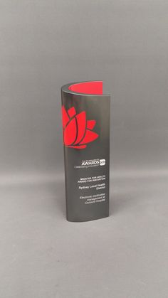 Design Awards is Australia's leading maker of custom metal awards, trophies, medals & plaques. Corporate awards, sports trophies and more. Plaque Design, Custom Trophies, Corporate Awards, Trophy Design, Award Plaques, Award Certificates, Led Signs, Custom Metal, Design Awards