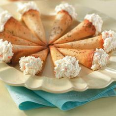 Crab-Stuffed Cones Recipe -Wonton wrappers form crunchy little horns filled with a creamy mixture of canned crab and plenty of dill in these savory sensations. Finger Food Appetizers, Appetizers For Party, Appetizer Recipes, Antipasto, Fingers Food, Seafood Recipes, Cooking Recipes, Great Recipes, Favorite Recipes