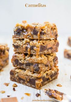 Carmelitas - For the serious caramel lover, these soft and chewy bars are dripping with caramel and stuffed with chocolate! Easy one-bowl, no-mixer recipe at averiecooks.com