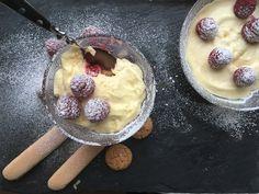 Tiramisu aux framboises du Nouvel An - BOLERO Nouvel An, Acai Bowl, Magazine, Breakfast, Food, Raspberry Tiramisu, Party Desserts, Raspberries, Recipes