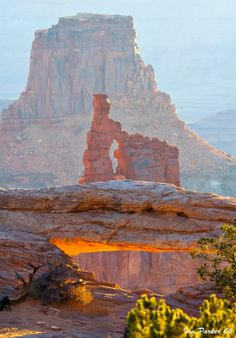 Mesa Arch and Washerwoman Arch, Arches National Park, Utah.