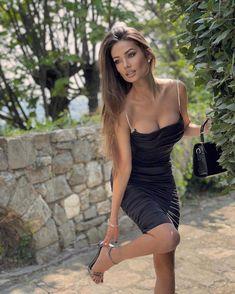 Tianna Midi Dress – Catwalk Connection Beautiful Women Pictures, Stunning Women, Glamour, Brunette Beauty, Black Midi Dress, Look Fashion, Fashion Beauty, Sexy Dresses, Beauty Women