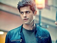 Matthew Daddario as Alec Lightwood Matthew Daddario, Alec Lightwood, Shadowhunters Tv Show, Shadowhunters The Mortal Instruments, Cassandra Clare, Hot Actors, Actors & Actresses, Alec And Jace, Shadowhunter Alec