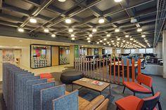 """מרחבים שונים באופן ספייס. """"קיבלנו חופש יצירתי רב בעיצוב הקומה"""", מספר האדריכל דביר דויטש (צילום: liam frederick)"""