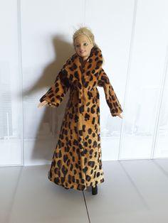Barbie Fur Coat Fur Coat, Barbie, Dresses With Sleeves, Long Sleeve, Jackets, Diy, Fashion, Down Jackets, Moda