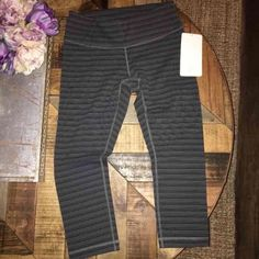 BNWOT Lululemon WU Crop Cotton Size 6 Size 6 Wunder under crop textured striped slate deep coal. Super soft and comfy. Tight medium rise. Cheaper on Merc. Tag removed. lululemon athletica Pants Ankle & Cropped