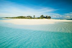 Blue sea, white sand, palm trees - Amanpulo is the perfect private island idyll in the Philippines