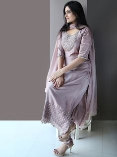 We have Spotted Epic Kurtha Designs Here We have Spotted Epic Kurtha Designs Here<br> Want to shop best designs of kurtha/kurthis/floor length suits for this summer of Do check out this brands collection. Simple Kurti Designs, Salwar Designs, Kurta Designs Women, Kurti Designs Party Wear, Blouse Designs, Stylish Dresses, Simple Dresses, Casual Dresses, Fashion Dresses