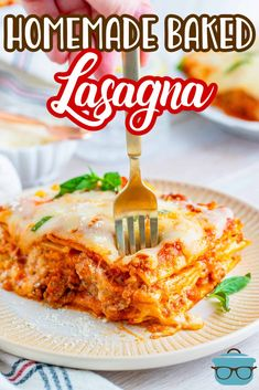 If you like classic, comforting and flavorful food, then you have to make my Homemade Baked Lasagna Recipe! A traditional lasagna with meat sauce, noodles and all the cheese! Pasta Recipes, Beef Recipes, Cooking Recipes, Lasagna Recipes, Noodle Recipes, Recipies, Baked Lasagna, Traditional Lasagna, Homemade Lasagna