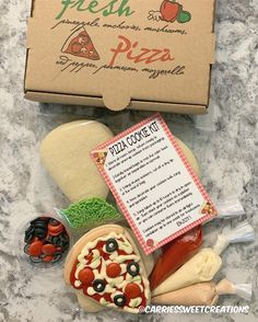 Cookie Pizza, Cookie Box, Cookie Icing, Royal Icing Cookies, Cupcake Cookies, Sugar Cookies, Cookies Et Biscuits, Pizza Cookies, Cookie Ideas