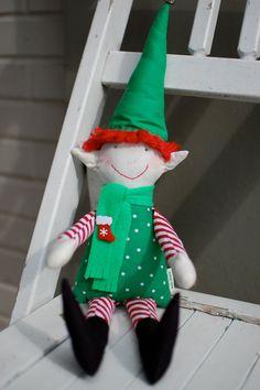 DIY shelf elf