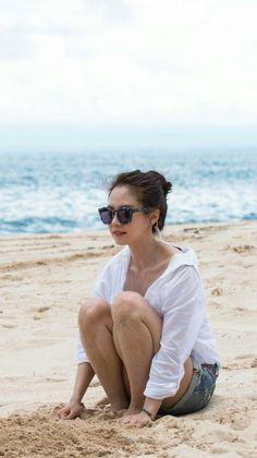 Song Ji Hyo filming We Are In Love in Bali