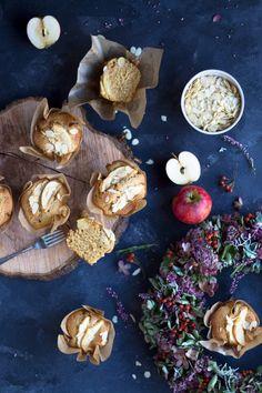 Herbstliche Apfel Nuss Muffins mit Emmer und Zimt –das perfekte Herbstrezept für die kalten Tage! Hier ist das einfache Rezept für Apfel Nuss Muffins.