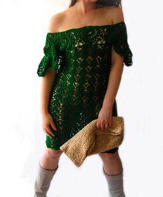 Splendido abito Crochet unico potrebbe essere vestito da festa per qualsiasi tipo di celebrazione.  Guarda il suo viso luce verso lalto quando si darle questo abito stupendo al ginocchio. Il nostro vestito fatto a mano rende anche un abito da sposa unico e memorabile per una piscina allaperto o un matrimonio sulla spiaggia. Disponibile nella vostra scelta di undici colori o combinazioni di colori, ci consentono di creare un pezzo solo per voi!  Caratteristiche: ~ Handmade ~ Disponibile nel…