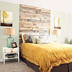 Любая комната станет более солнечной, если добавить в нее желтых акцентов - в текстиле, декоре, картинах А такое деревянное изголовье создаст ощущение деревенского уюта. Всех с пятницей, желаем отличных выходных - они обещают быть жжжаркими!