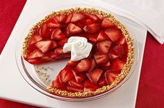Strawberry Fruited Pie Recipe - Kraft Recipes - ONLY 50 calories! Yummy Treats, Delicious Desserts, Sweet Treats, Yummy Food, Healthy Pie Recipes, Superfood Recipes, Healthy Sweets, Healthy Foods, Pie Dessert