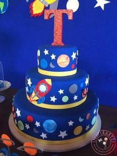 bolo festa no espaço