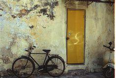 Yellow door | Flickr - Photo Sharing!