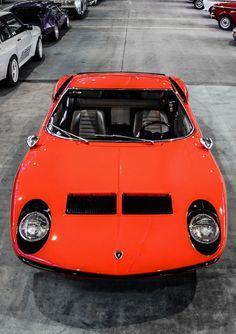 // Lamborghini Miura //