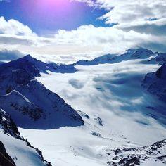 bergsports.de Heute mal Sonne in Sölden-Gletscher...!! #bergsports #bestoff #snowboarding  #skiing #musik #gletscher  #austria # #sun #nature #sunshine #berge #mountains #travel #lovewinter #alps #sonne #tiefenbachgletscher