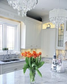 Superwhite quartzite gives you the look of white marble but it's a much more durable natural stone Superwhite quartzite #Superwhite #quartzite