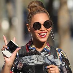 #stealthelook #look #looks #streetstyle #streetchic #moda #fashion #style #estilo #inspiration #inspired #Beyonce #diva #oculos #sunnies #round