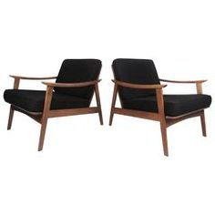 Pair of Stylish Mid-Century Lounge Chairs