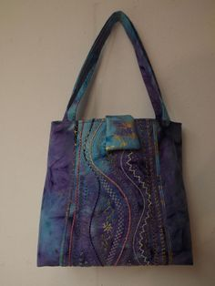 "Stupendous bag - via @Craftsy ""stupendous stitching"" class.  Nice idea for embellishing center of bags."