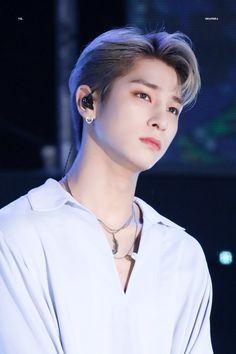 Learn Korean, Good Looking Men, Vixx, Korean Beauty, Korean Boy Bands, Beautiful Boys, Pretty People, Sexy Men, How To Look Better