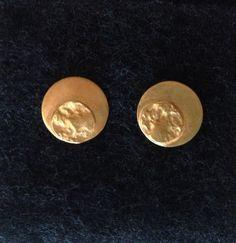 Aretas Círculo Textura - baño en oro $30000