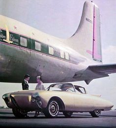 Oldsmobile Golden Rocket Concept Car (1956). The 1956 Oldsmobile Golden Rocket Concept, a gold colored 2 passenger car, which was styled to resemble a rocket, made its debut at the 1956 General Motors Motorama and was used at many other auto shows. wiki.gmnext.com www.442.com
