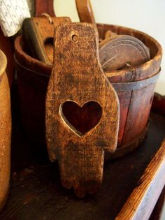 Rustic cutting boards with heart. ♥