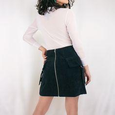 You searched for saia assimetrica - Loja ELLO Waist Skirt, High Waisted Skirt, Skirts, Fashion, Asymmetrical Skirt, Mini Skirts, Velvet, Moda, High Waist Skirt