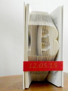 Best man gift - Bridesmaid gift - Personalized Bridesmaid gift - Mother of groom gift - Father of groom gift - Book Sculpture