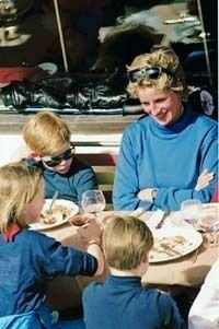 Princess Diana with Princes William and Harry and her neice having a very casual and fun lunch on the down-low. Enjoy RUSHWORLD boards, DIANA PRINCESS OF WALES EXTENSIVE PHOTO ARCHIVE, UNPREDICTABLE WOMEN HAUTE COUTURE and MOOD BUSTERS FEEL BETTER NOW. Follow RUSHWORLD! We're on the hunt for everything you'll love! #PrincessDiana #LadyDiana #CandidPrincessDiana #RarePrincessDianaPhotos