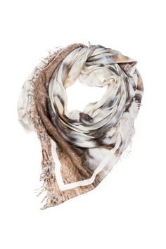 Masses Becasseaux 150 x 150 Womens Scarves, Ready To Wear, How To Wear, Accessories, Collection, Fashion, Moda, La Mode, Capsule Wardrobe
