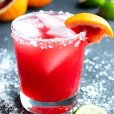 This homemade Blood Orange Skinny Margarita is made with the best tequila, lime juice, fresh blood oranges and agave nectar for a great party cocktail! Best Margarita Recipe, Margarita Recipes, Cocktail Recipes, Cocktails, Cocktail Drinks, Blood Orange Margarita, Skinny Margarita, Easy Homemade Salsa, Homemade Guacamole