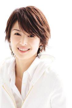 Michiko Kichise is a Japanese actress and model. Beautiful Japanese Girl, Japanese Beauty, Beautiful Asian Women, Asian Beauty, Short Hair Cuts, Short Hair Styles, Asian Hair, Hair Remedies, Dream Hair