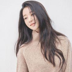 Kim Soo Hyun, Seo Ye Ji, And Kim Sae Ron Mark Next Chapter At New Agency With Stunning Profile Photos | Soompi Female Actresses, Korean Actresses, Actors & Actresses, Korean Beauty, Asian Beauty, Hyun Seo, Lee Bo Young, Asian Eyes, Profile Photo