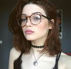 Image about beauty in girly by mia wallace on We Heart It - Brillen Trends Glasses Outfit, Fashion Eye Glasses, New Glasses, Girls With Glasses, Makeup For Glasses, Mia Wallace, Cheap Eyeglasses, Glasses Frames Trendy, Glasses Trends