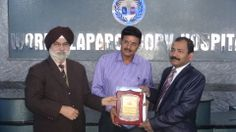 Dr. Hari S receiving certificate of Fellowship in minimal access Surgery at World Laparoscopy Hospital. For more detail please log on to www.laparoscopyhospital.com
