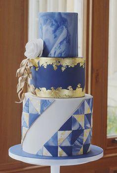 Simple, Elegant, Chic Wedding Cakes ❤ See more: http://www.weddingforward.com/simple-elegant-chic-wedding-cakes/ #weddingforward #bride #bridal #wedding