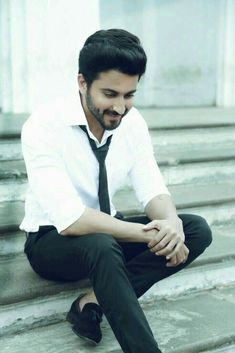 Dheeraj Dhoopar Handsome Celebrities, Handsome Actors, Cute Celebrities, Celebs, Cute Boy Photo, Photo Poses For Boy, Stylish Boys, Stylish Girl Images, Bollywood Actors