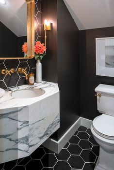Stylish Stone Vanity Ideas: Iconic Trend that Brings Glamour to the Bathroom – Marble Bathroom Dreams Black Marble Bathroom, Marble Bathroom Accessories, Stone Bathroom, Gold Accessories, Chic Bathrooms, Modern Bathroom, Bathroom Vanities, Bathroom Ideas, Vanity Countertop