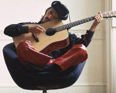 Ringo Starr, by Douglas Kirkland. Nice pants, man.
