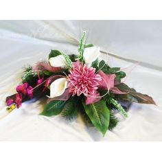 Cemetery Flowers, Funeral, Diy And Crafts, Table Decorations, Plants, Flower Arrangements, Plant, Planting, Planets